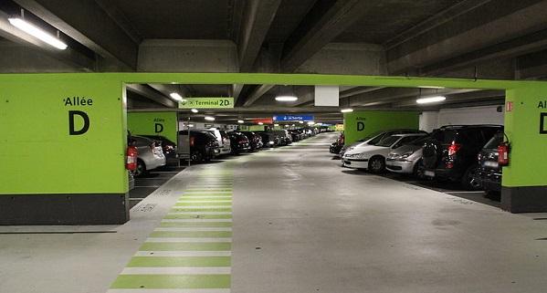parking de l'aéroport